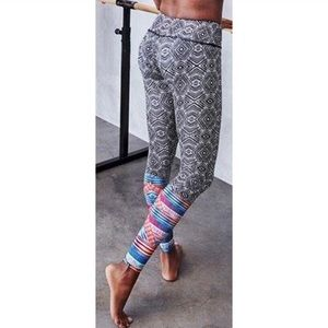 Onzie Geometric Graphic Workout Leggings
